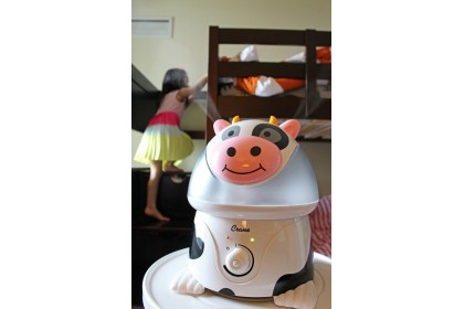 Crane - Adorables Ultrasonic Cool Mist Humidifier - Cow